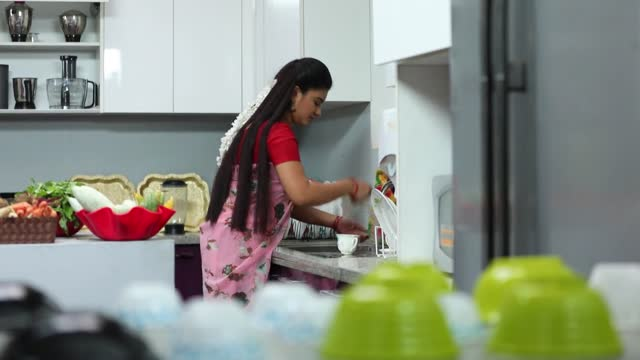 Sembaruthi 20th March 2019 Full Episode 429 Watch Online