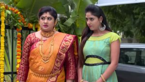 Radhamma Kuthuru 25th November 2020 Full Episode 324